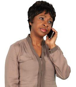 mom-on-phone